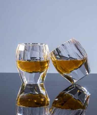 水晶做的水杯